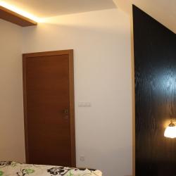 Podsvícená ložnice